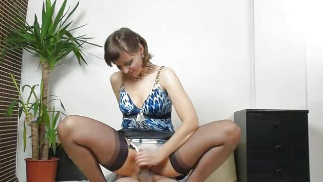 Reina cam puta pelirroja sexo caliente latino mamada